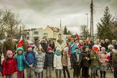 Élèves participant à la cérémonie, jour de souvenir national Photographie stock