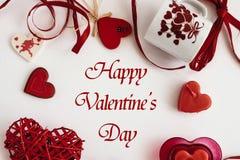 Éléments élégants d'amour de coeur sur le fond blanc, valentine heureuse Photos stock