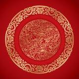Éléments chinois de vintage sur le fond rouge classique Images stock