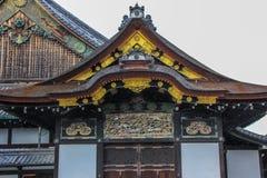 Éléments décoratifs de façade de palais de Ninomaru photographie stock libre de droits