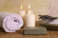Éléments de bain de lavande. aromatherapy Images libres de droits