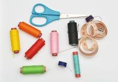 Éléments de couture colorés Images stock