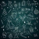 Éléments de paquet de croquis de griffonnages de Noël sur le tableau noir illustration stock