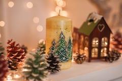 Éléments mignons d'intérieur confortable de Noël d'hiver image stock