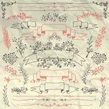 Éléments tirés par la main de conception florale sur chiffonné Images libres de droits