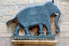 Éléphant découpé par pierre Images stock