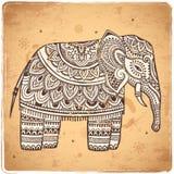 Éléphant d'Asie de vintage avec les ornements tribals Salutation de mandala Image libre de droits