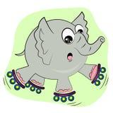 Éléphant de dessin animé patinant sur des rouleaux Photos libres de droits