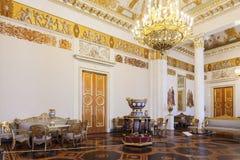 Él pasillo Blanco-columned en el museo ruso del estado, Mikha anterior Imagen de archivo