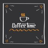 Él tiempo del café de s Cartel del dibujo de la mano con los elementos de la decoración de la frase Tarjeta de la tipografía, ima Foto de archivo libre de regalías