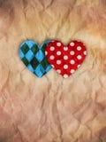 Él y ella corazones en el papel marrón Imagen de archivo libre de regalías