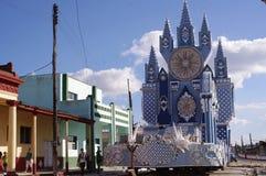 Élaborent le flotteur du festival de Las Parrandas image libre de droits