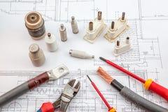 Électricités, assurance, tournevis, câbles cuivre Photo libre de droits