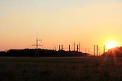 Électrique et à énergie solaire dans le paysage naturel Image stock