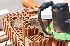 Électrique a vu pour des briques Photo libre de droits