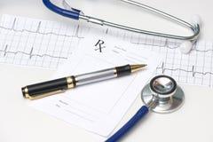 Électrocardiographe et stéthoscope Photo libre de droits