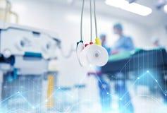 Électrodes à la salle d'hôpital ou à la salle d'opération Photos libres de droits