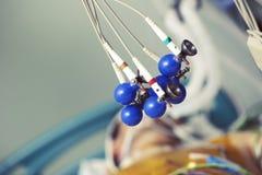 Électrodes pour enregistrer ECG au patient Photo libre de droits