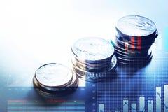 Élevage empilé par argent de pièce de monnaie avec le diagramme de graphique Affaires financières Images stock