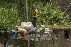 Élimination des déchets dans Sri Lanka Images libres de droits