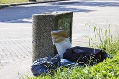 Élimination des déchets illégale à l'aire de service Photographie stock
