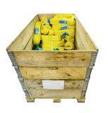 Élingues de levage molles en nylon empilées dans une boîte en bois Images stock