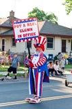 Élisez un clown au défilé Images stock