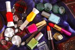 Émail et rouge à lèvres de vernis à ongles Image libre de droits