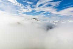 Émergence maximale du mouvement giratoire des nuages Images stock