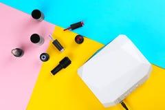 Émetteur à rayonnement ultraviolet pour la manucure Photos stock