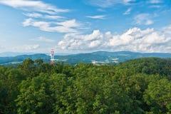 Émetteur dans les montagnes Photo libre de droits