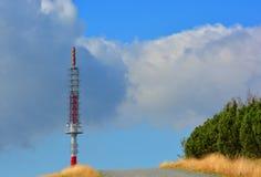 Émetteur de radio et de télévision dans Beskydy Image stock