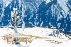 Émetteur de signal dans les montagnes Photos libres de droits