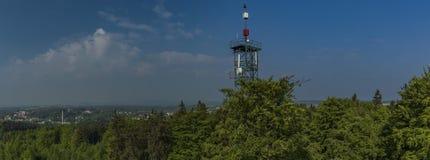Émetteur près de tour d'observation Haj u Ase Images stock