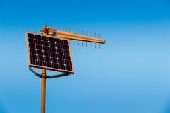 Émetteur radioélectrique actionné par énergie solaire Image libre de droits
