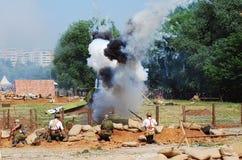 Émettez de la vapeur sur le champ de bataille, soldats combattent Photo libre de droits