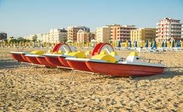 Émilie-Romagne, Italie, bateaux sur la plage Images libres de droits