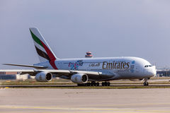 Émirats Airbus A380-800 à l'aéroport de Francfort Photo libre de droits