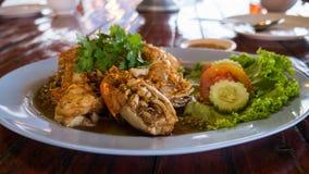 Émoi Fried Shrimp avec l'ail avec les légumes frais Photographie stock libre de droits