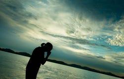 Émotion de l'amour des ombres sur la plage Photographie stock