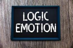 Émotion de logique des textes d'écriture Le concept signifiant des sentiments désagréables s'est tourné vers l'esprit raisonnable illustration libre de droits