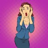 Émotions criardes d'horreur de douleur de femme d'affaires Images stock