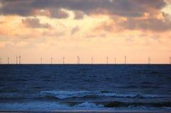 Énergie éolienne de vent de reflux La Mer du Nord, Pays-Bas Images libres de droits