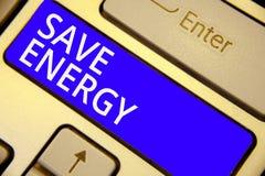 Énergie d'économies des textes d'écriture de Word Le concept d'affaires pour diminuer la quantité d'énergie a employé réaliser un photographie stock