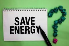 Énergie d'économies des textes d'écriture de Word Le concept d'affaires pour diminuer la quantité d'énergie a employé réaliser un images stock