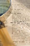 Énergie en dictionnaire avec la loupe Image libre de droits
