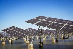Énergie et développement durable verts de l'énergie solaire photos stock