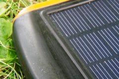 Énergie pure de générateur solaire de courant électrique, concept d'affaires photographie stock libre de droits