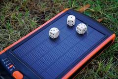 Énergie pure de générateur solaire de courant électrique, matrice là-dessus photo stock