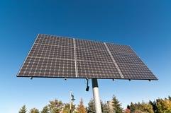 Énergie renouvelable - alignement photovoltaïque de panneau solaire Photographie stock libre de droits